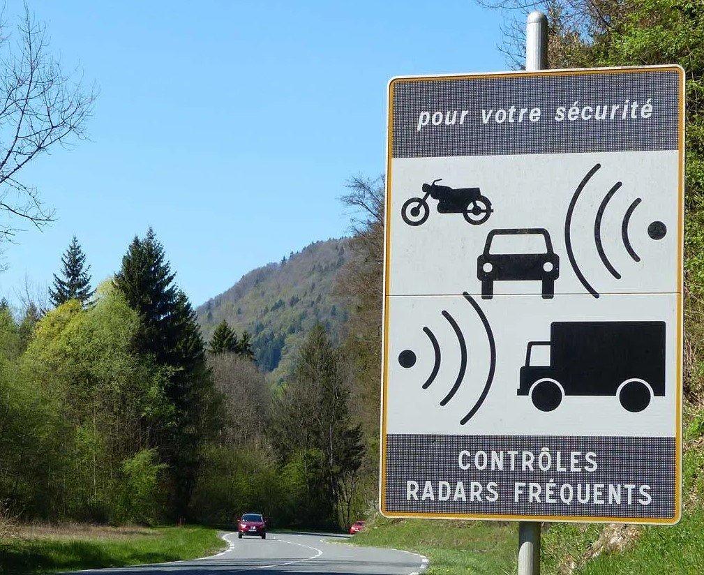 Franch Speed Trap Radar Warning Sign