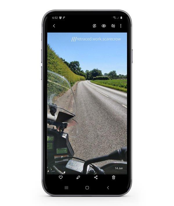3WordPhoto Mobile Phone Location Information